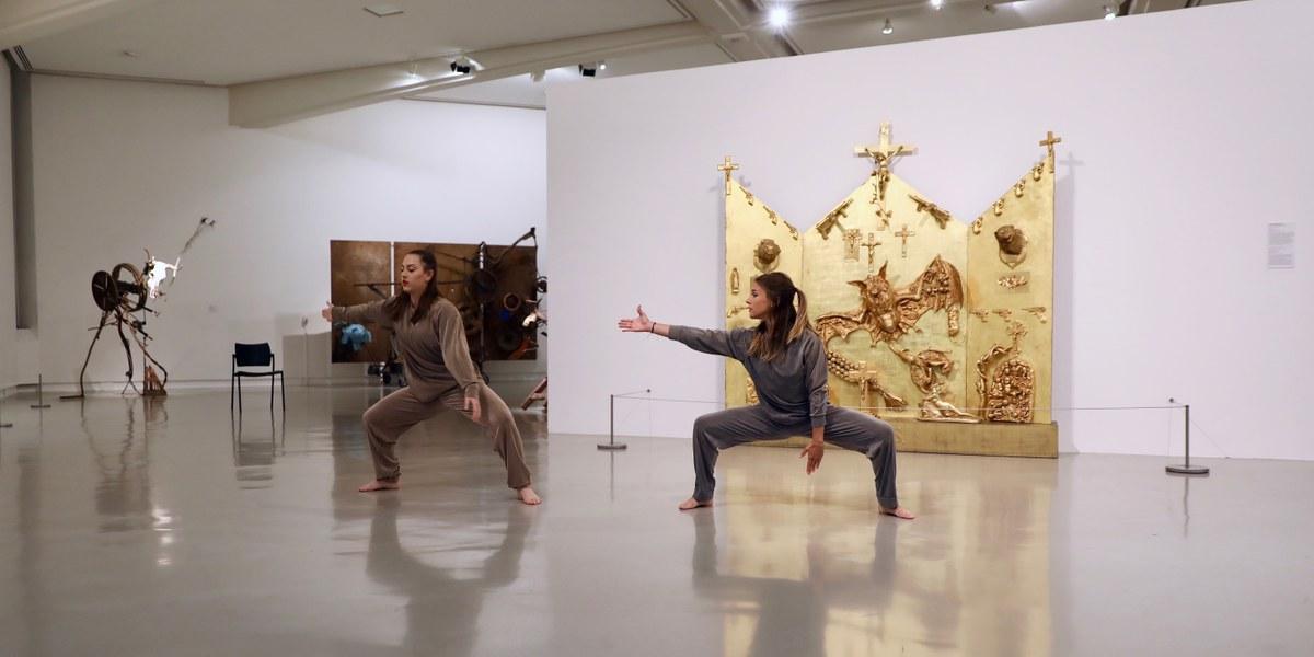 danseuses dans un musée