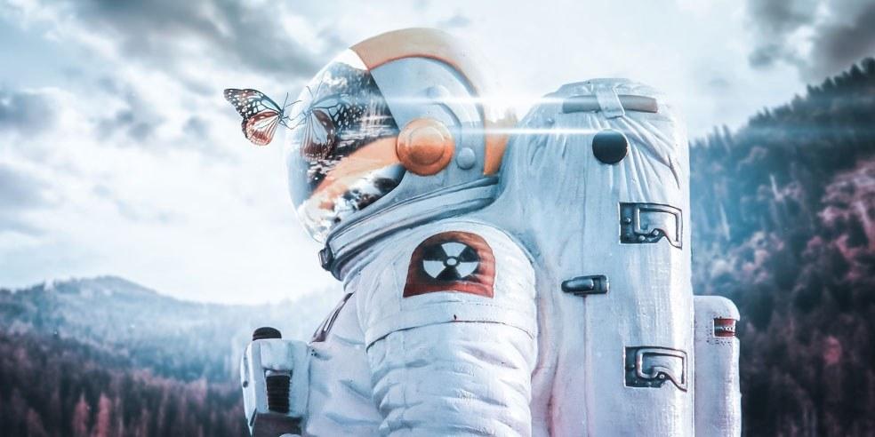 cosmonaute et papillon